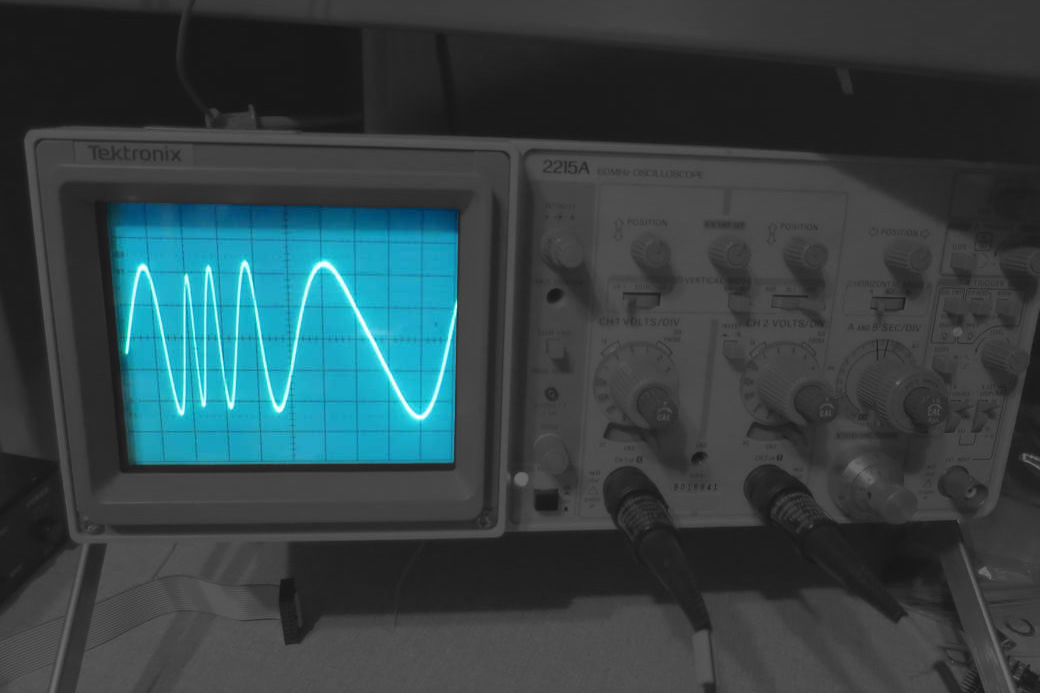 E950 waveforms on oscilloscope